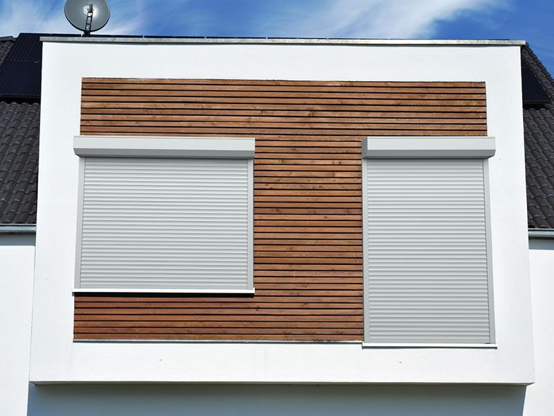 На окна и двери рольставни